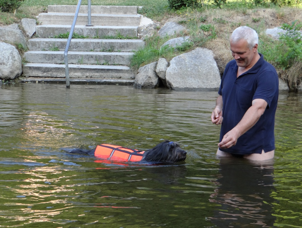 Schwimmen soll ja soooo gesund sein :-)